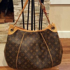 b097e16ba43 Louis Vuitton Galleria PM Date Code: SD0069